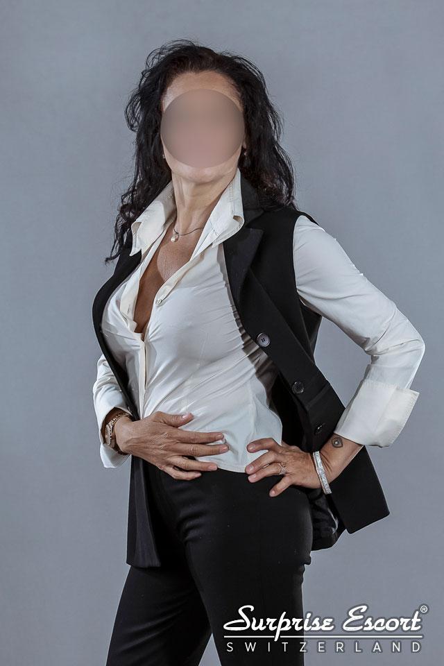 Lara heisse Escort Sekretärin
